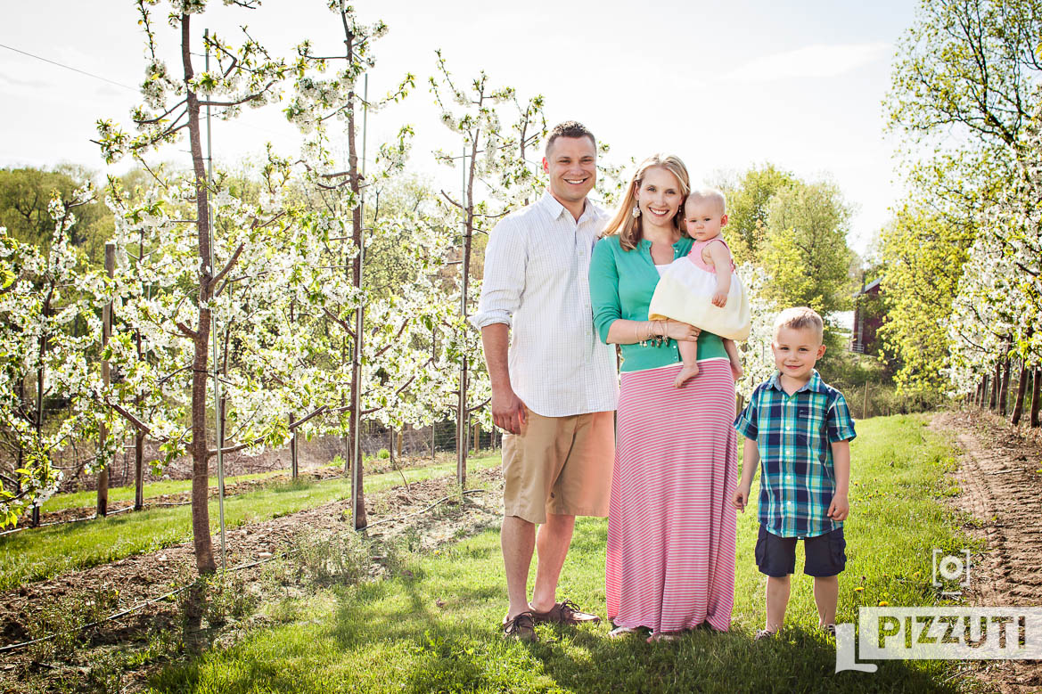 Family photos at Cider Hill Farm